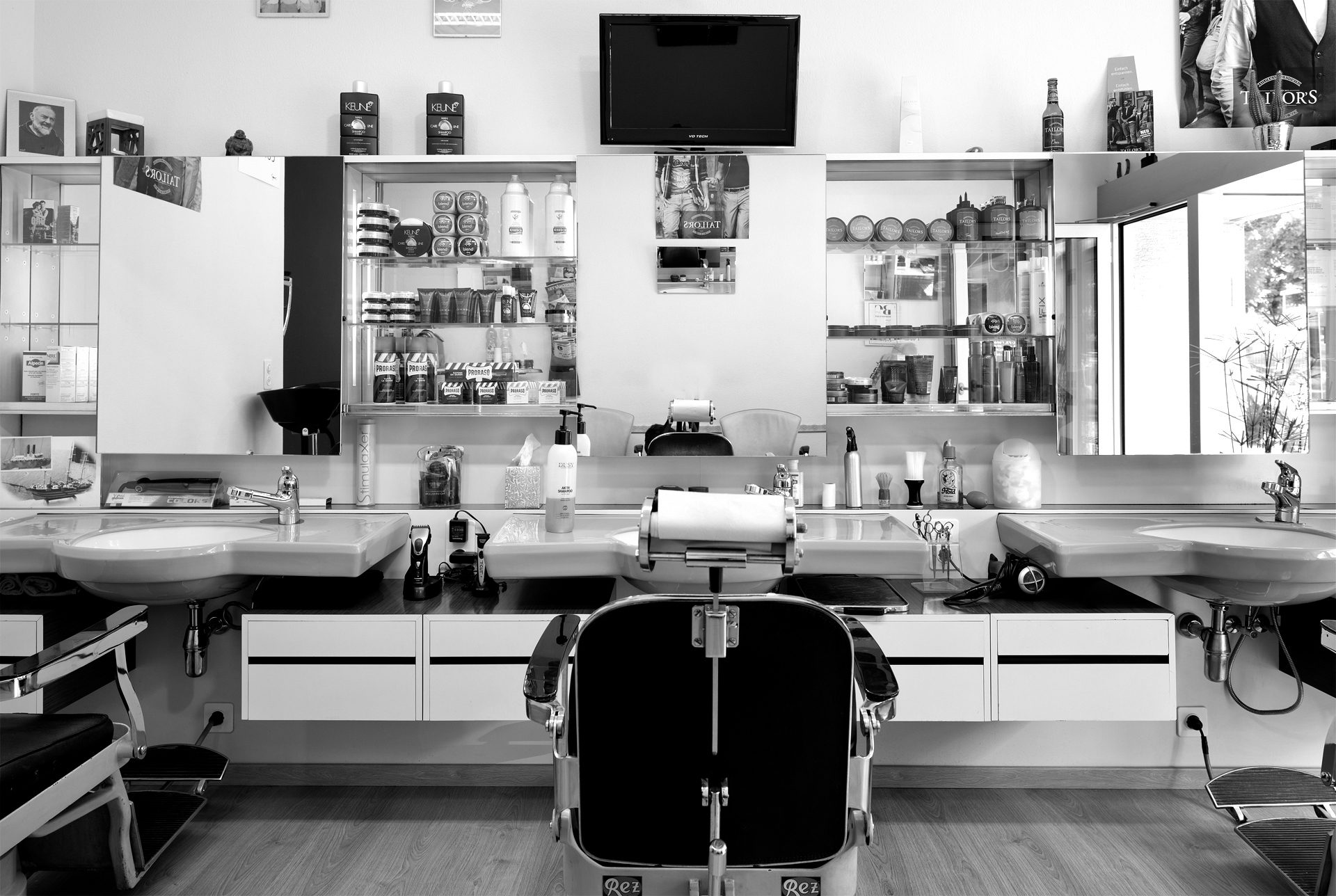Biondo's Cut – Salon